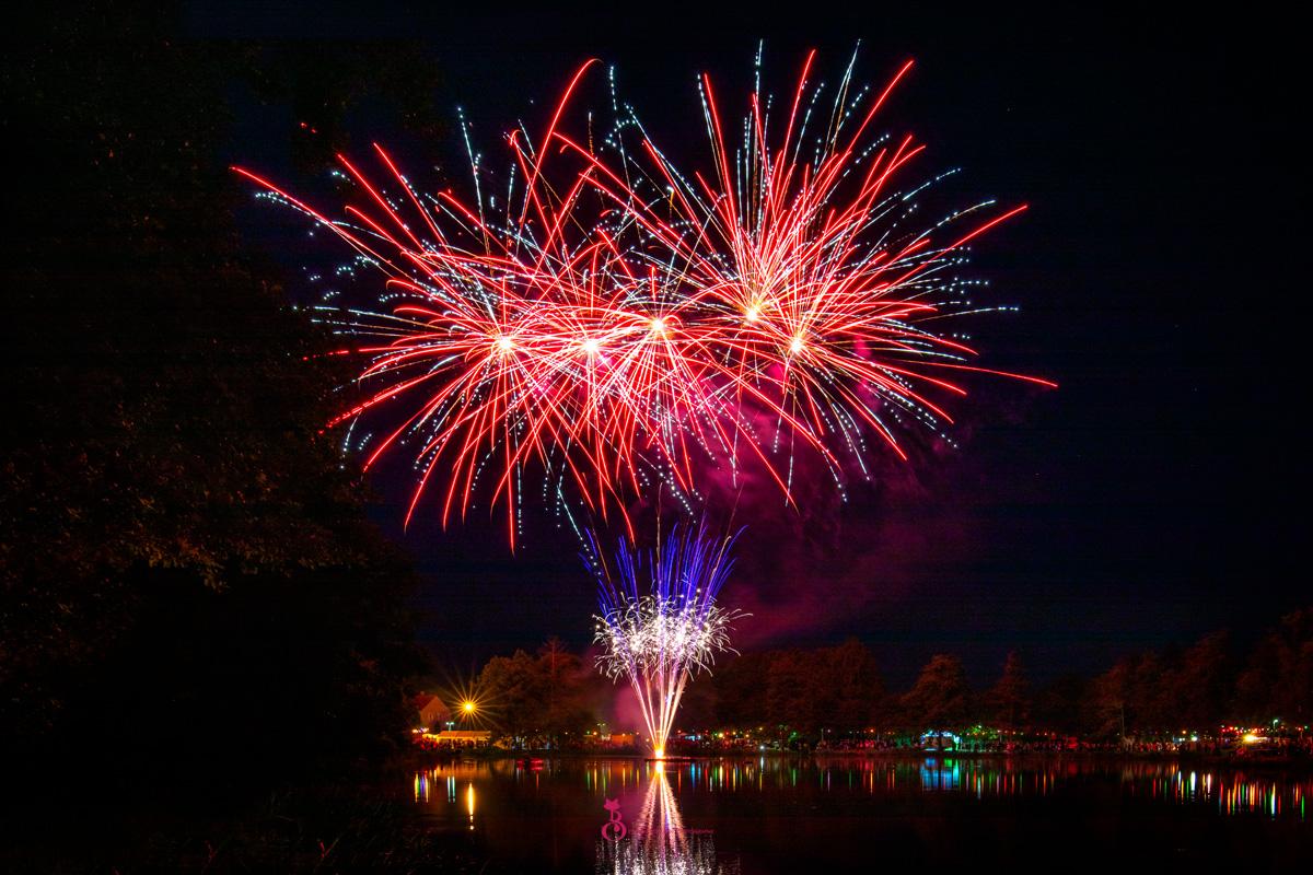 Feuerwerk am Schlossweiher